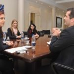 Cristina Kirchner recibe la primer Blackberry hecha en Argentina