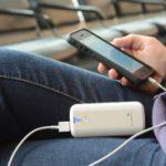 Crean batería portátil para dispositivos móviles