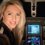 Una hermosa piloto dará la vuelta al mundo e Inmarsat la mantendrá en línea en su travesía
