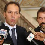 América Móvil cumple y presenta plan para dividir a Telmex