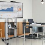 Tripp Lite innova en soportes de piso móviles